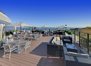 Put events waterside on the Lakeview Terrace at the Westin Harbour Castle Toronto